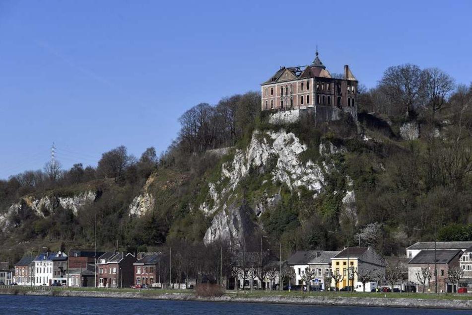 In diesem herrschaftlichen Schloss gab es am Montag einen schweren Brand.
