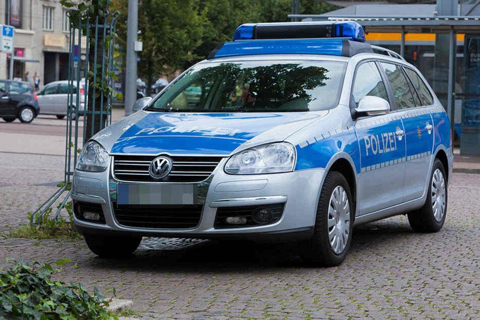Die Polizei sucht nach dem Mann, der versuchte, das Mädchen in sein Auto zu locken. (Symbolbild Polizei).