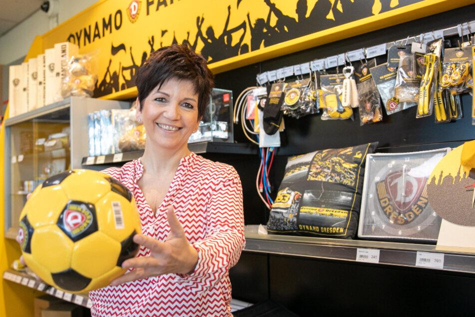Simone Saloßnick (55) in der Dynamo-Tankstelle - ihre Tage hier sind gezählt.