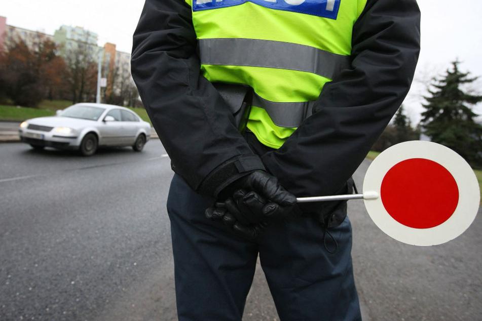 Eine Geschwindigkeitsüberwachung ist im öffentlichen Straßenverkehr. (Symbolbild)