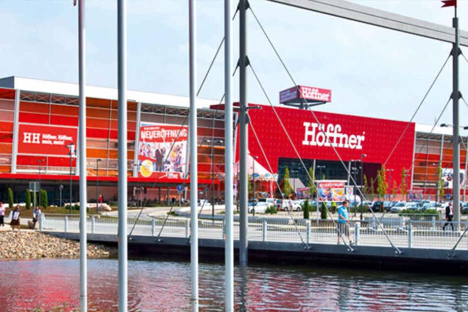 Deshalb wollen heute alle zu Möbel Höffner in Hamburg ...