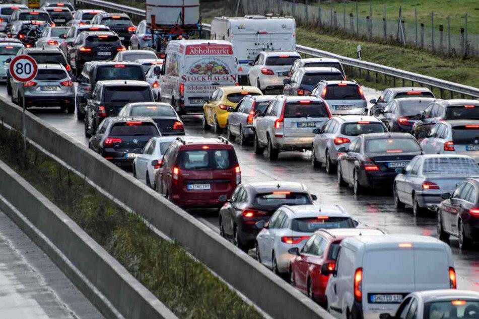 Stau-Hammer in Deutschland droht! ADAC warnt vor Chaos am Dreikönigstag