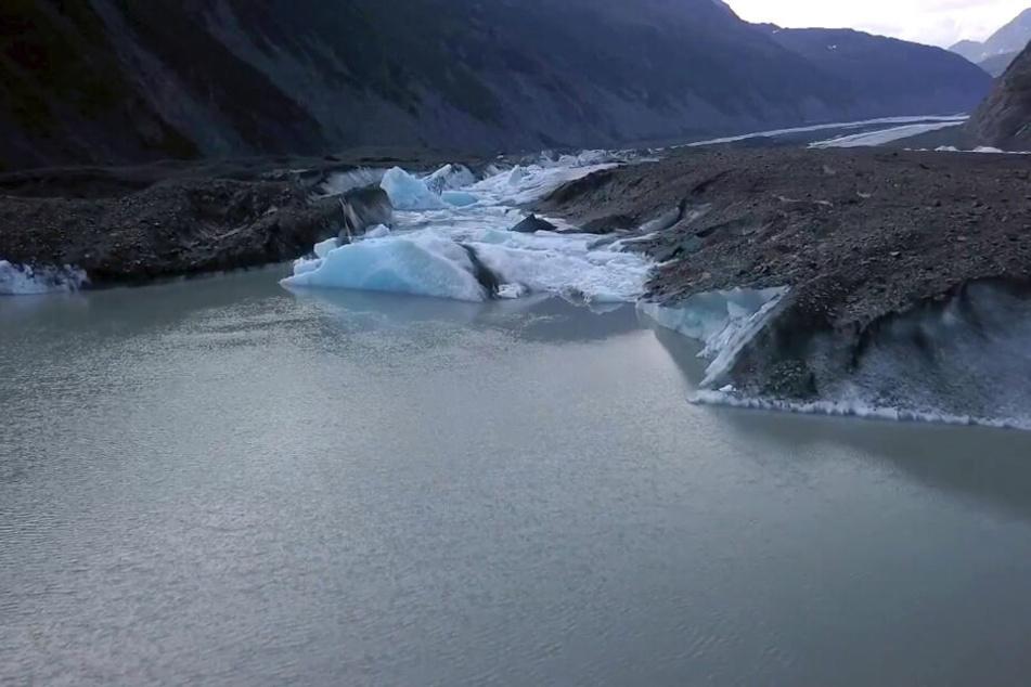 In diesem Sommer ist das Wetter in Alaska besonders warm, das Eis schmilzt sehr schnell.