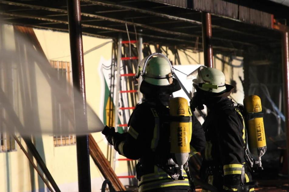 Feuer zestört komplettes Sportlerheim und richtet riesigen Schaden an