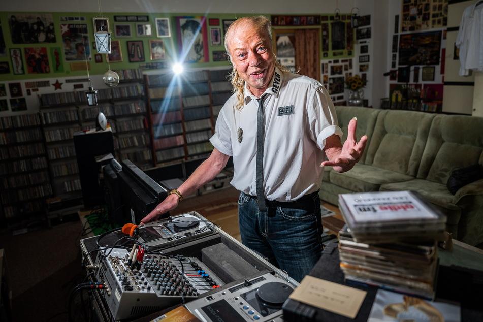 Jens-Uwe Jahn alias DJ Geyer (59) hat unzählige Abende hinter dem DJ-Pult verbracht - und denkt nicht ans Aufhören.