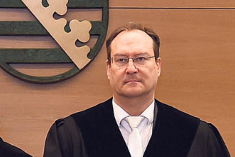 Richter Christian Linhardt und seine Kammer verhandelt den bisher größten Abrechnungsbetrug bei Medizinern in Sachsen.