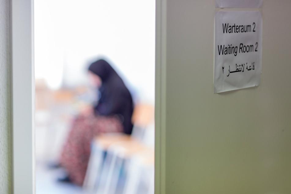 Mehrere Organisationen aus Mitteldeutschland fordern die Aufnahme gefährdeter Afghanen und Afghaninnen. (Symbolbild)