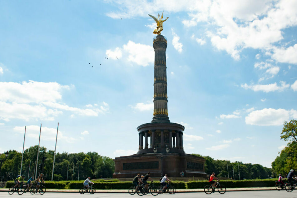 Fahrrad-Sternfahrt in Berlin: Protest-Radler auf dem Weg zur Siegessäule