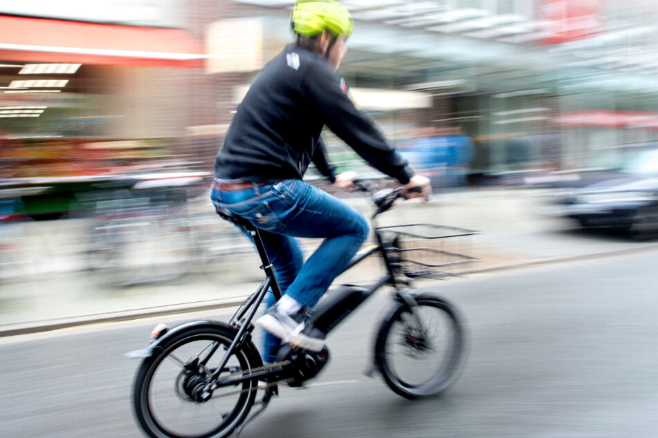 50-Jähriger stirbt nach Sturz mit E-Bike