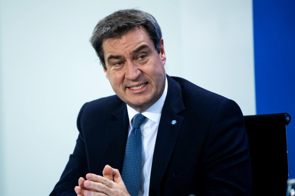 Die Bundesliga muss laut Bayerns Ministerpräsident Markus Söder (CSU) maximale Hygiene-Forderungen erfüllen.