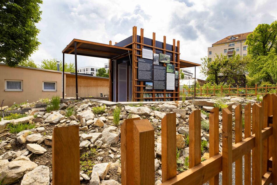 Das Kunsthaus Dresden hat in der Gartensparte Flora I Kunstprojekte initiiert. Der Pavillon in der Parzelle 3 beherbergt eine kleine Ausstellung.