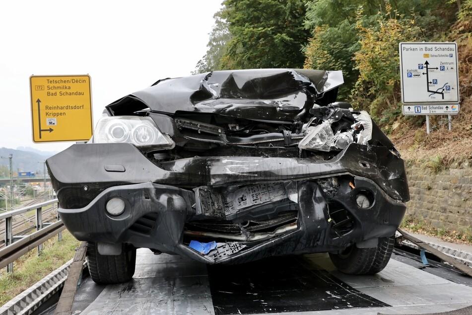Auch der Honda hat bei dem Unfall einiges abbekommen.