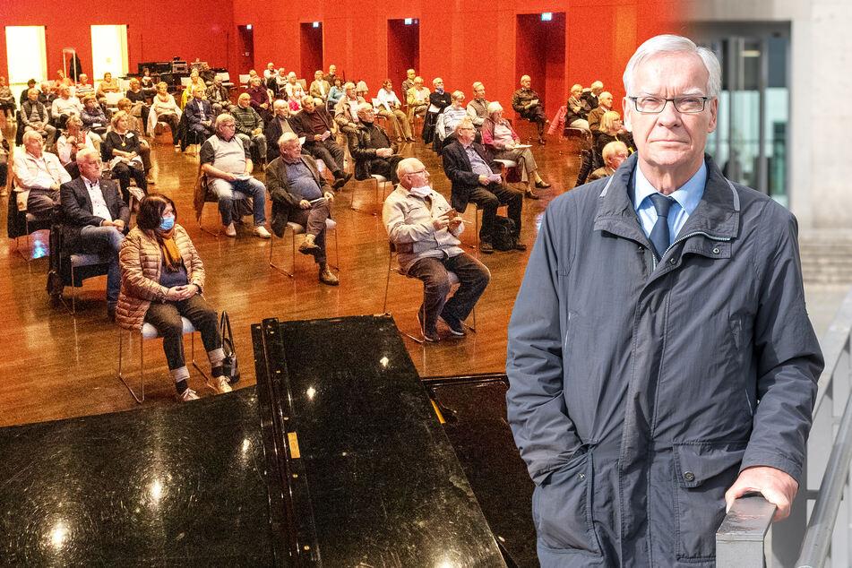 Dresdner Senioren drücken die Uni-Bank: Silberlocken-Semester hat begonnen!