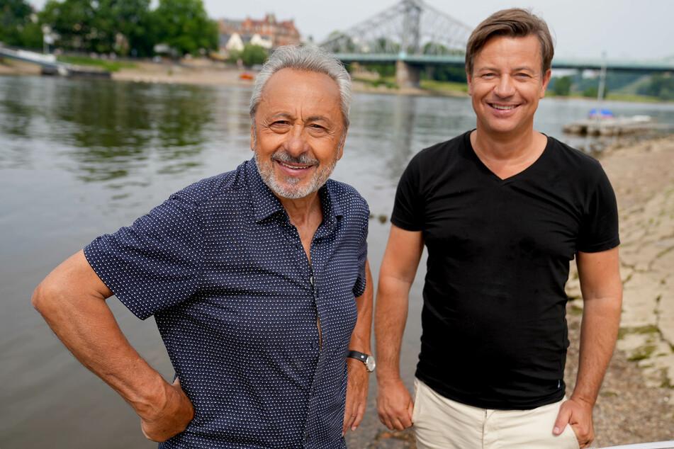 Arne Platzbecker (re.) und Wolfgang Stumph (75) unterwegs für NDR und MDR.