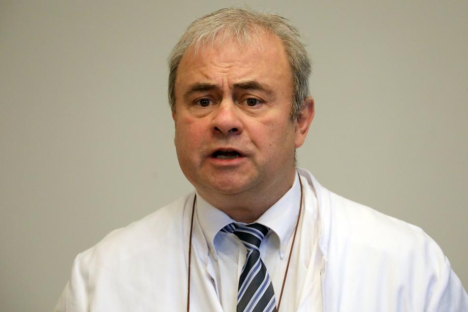 Der Tropenmediziner Emil Reisinger rechnet eher mit Einschränkungen bis Juni.