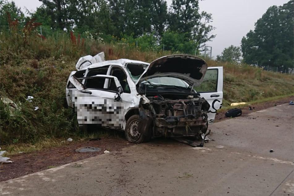 Der Wagen mit sechs Insassen verunglückte am Samstagmorgen auf der A14, zwei Menschen kamen ums Leben.