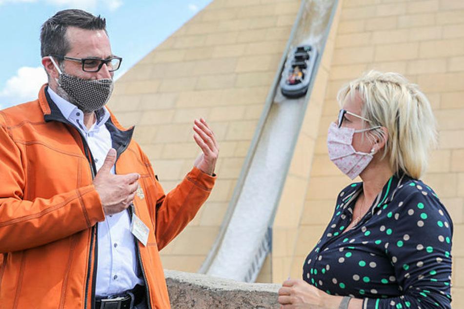 Achterbahn mit Mundschutz: Ministerin inspiziert Belantis