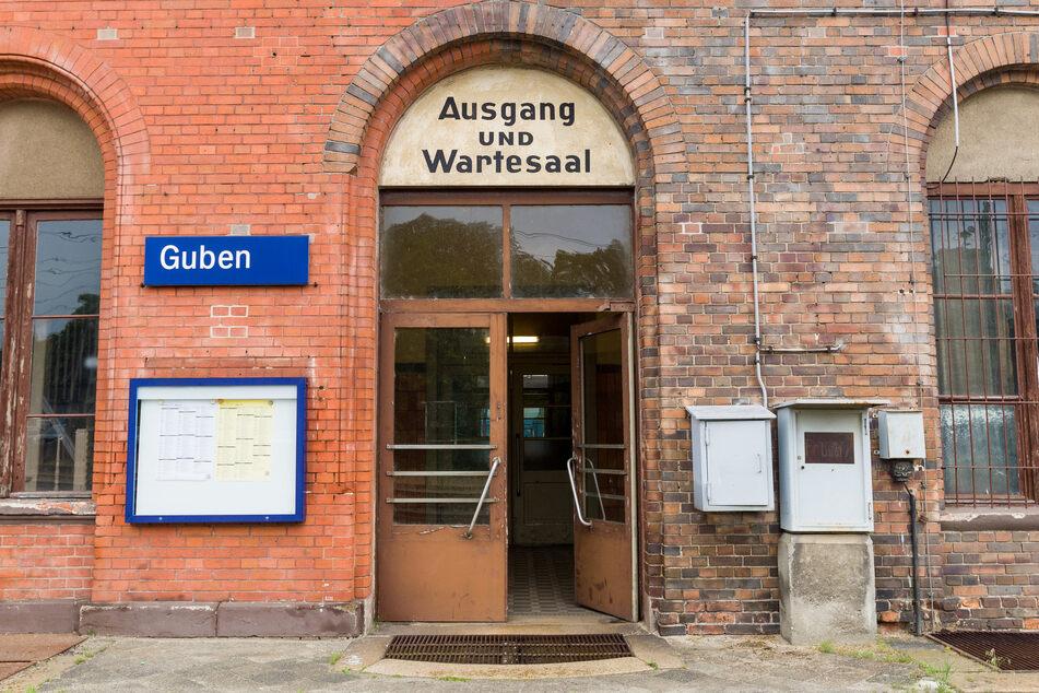 In Berlin, Brandenburg und Mecklenburg-Vorpommern haben bereits die Arbeiten an 35 Bahnhöfen begonnen (Symbolbild).