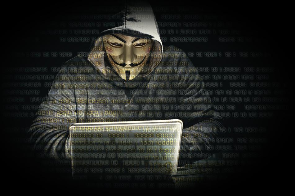 Anonymus kritisiert die Polizei von Minneapolis scharf.