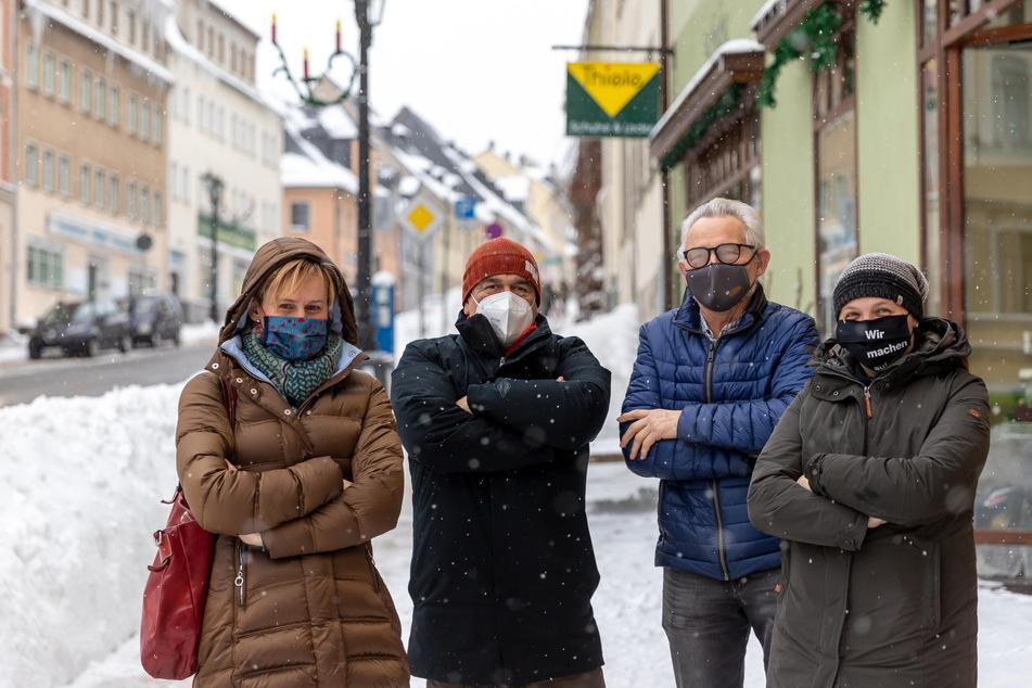 Annaberger Händler wie Andrea Sieber (v.l.), Jens Wangler (58) Jürgen (69) und Isabel Thiele (45) befürchten das Sterben ihrer Innenstadt.