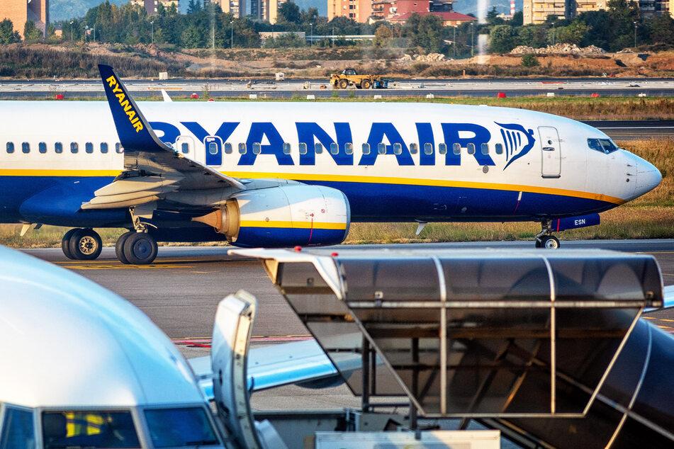 Flug bezahlt, aber Ryanair will nochmal bis zu 710 Euro: Das hat es damit auf sich!