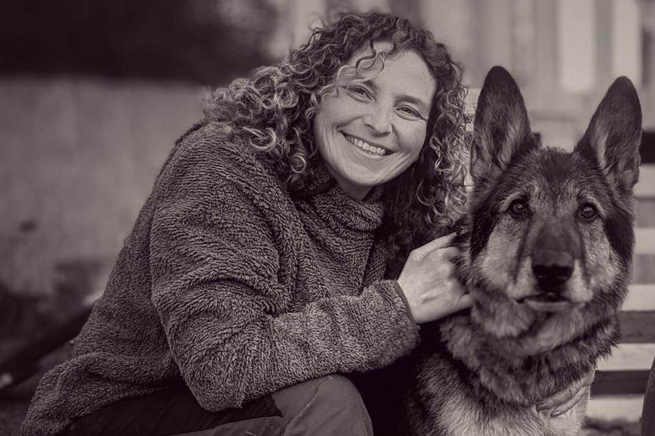 Frau ermöglicht ihrem Hund eine letzte schöne Woche, dann stirbt er