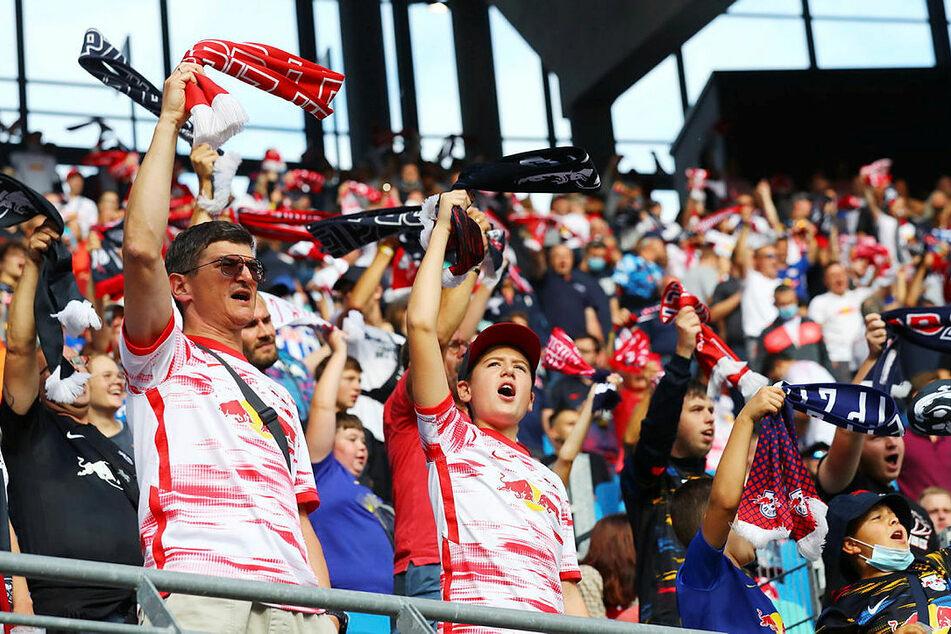 RB Leipzigs Fans hatten am Samstagnachmittag bei bestem Wetter wieder ordentlich was zu feiern.