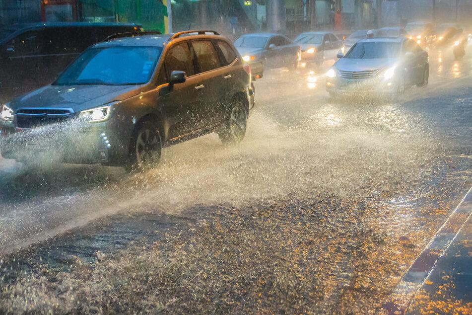 Polizei im Dauereinsatz! Regen auf A4 und A72 sorgt für zahlreiche Unfälle