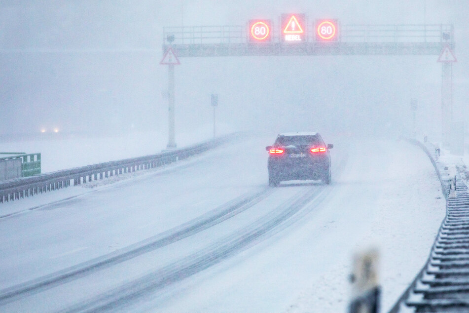 Thüringen: 70 Unfälle in kurzer Zeit, Glatteis könnte noch schlimmer werden!