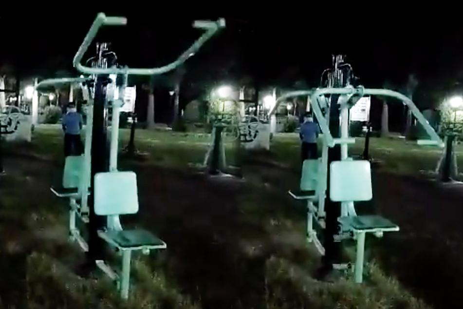 Geister am Werk? Sportgerät im Park läuft auf Hochtouren, doch niemand trainiert!