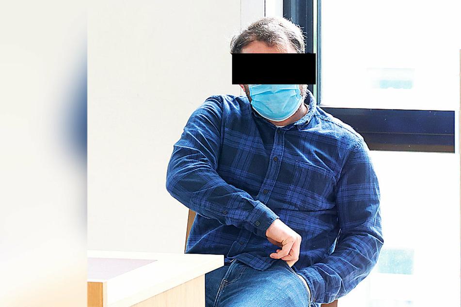 Oliver K. (26) konnte dem Richter nicht erklären, was ihn zur Spanner-Aktion getrieben hatte.