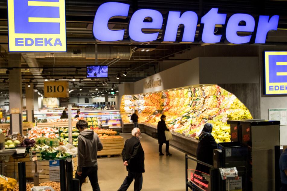 Das Unternehmen Edeka widerspricht den angeblichen Meldungen um Einschränkungen im Kauf von Lebensmitteln.