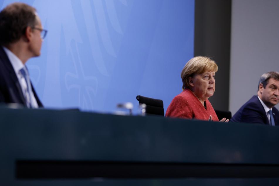 Berlins Regierender Bürgermeister Michael Müller (55), Kanzlerin Angela Merkel, (66, CDU), und der Bayrische Ministerpräsident Markus Söder (53, CSU) bei den Beratungen.