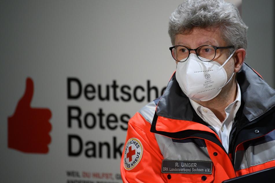 Der Vorstandsvorsitzende des DRK-Sachsen, Rüdiger Unger (60), erklärte, weshalb Sachsens Impf-Portal so schleppend läuft.
