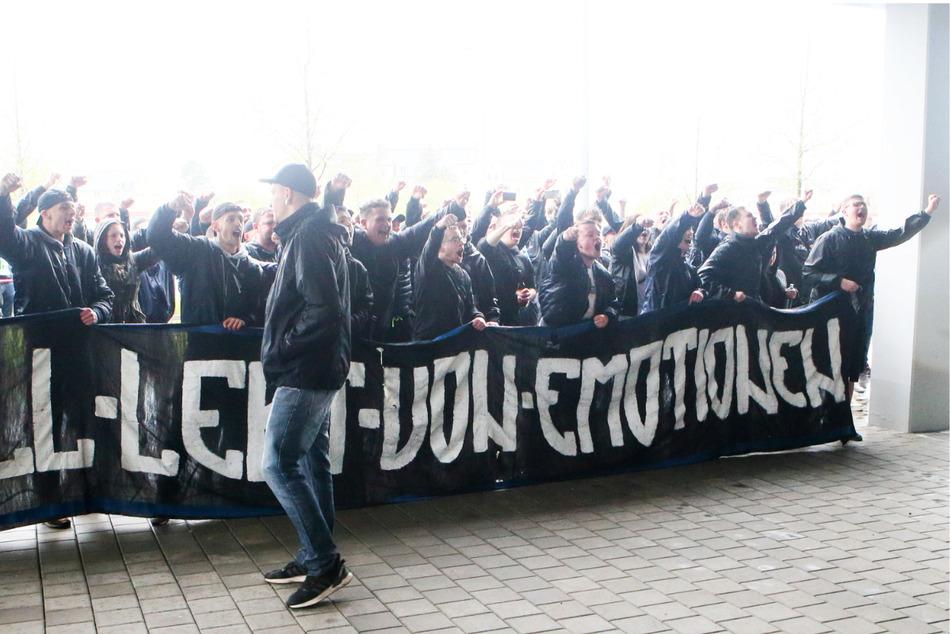Die CFC-Fans kamen ans Stadion...
