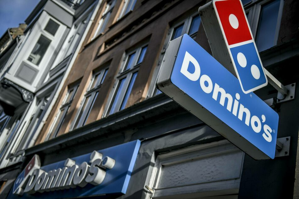Domino's is rolling the dice on pizza delivery robots