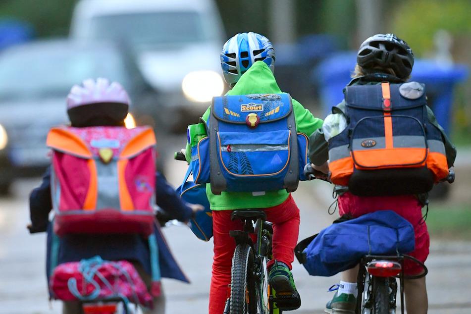 Deshalb sollte man Kinder nicht mit dem Auto zur Schule fahren