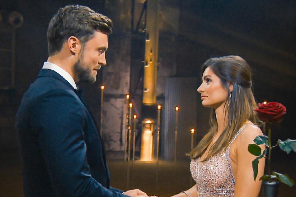"""Bachelor: """"Bachelor""""-Bombe geplatzt: Niko Griesert und Michèle de Roos sind ein Paar!"""
