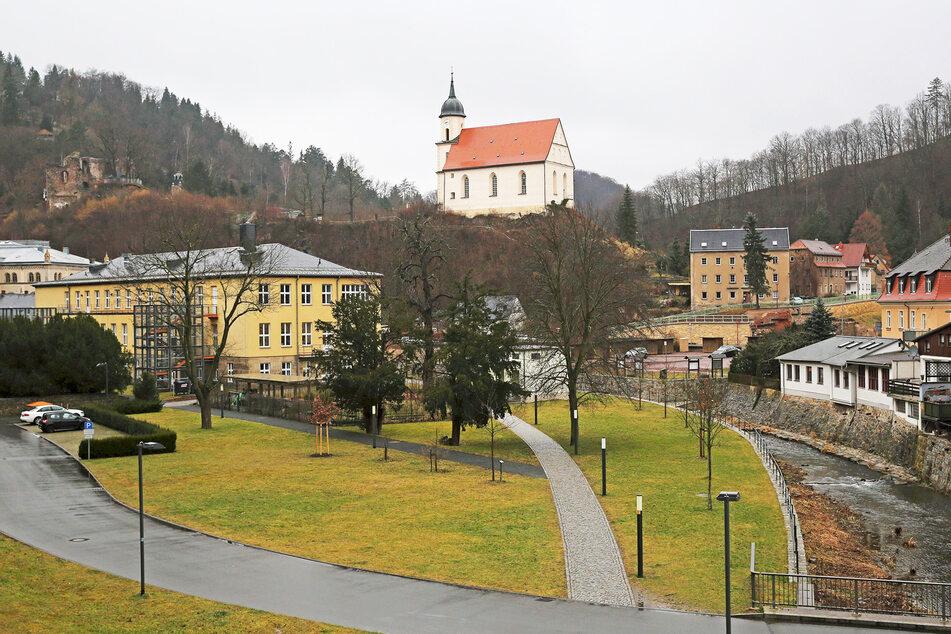 Unterhalb der Tharandter Bergkirche steigt der Naturmarkt am Samstag.
