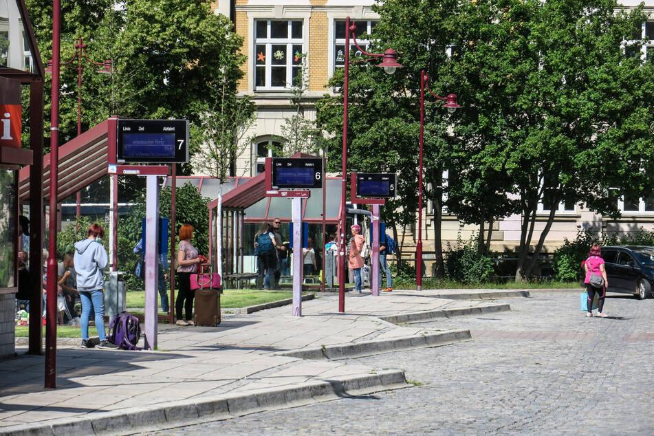Bis zu zehn Mal wöchentlich hält Flixbus am Auer Bahnhof.