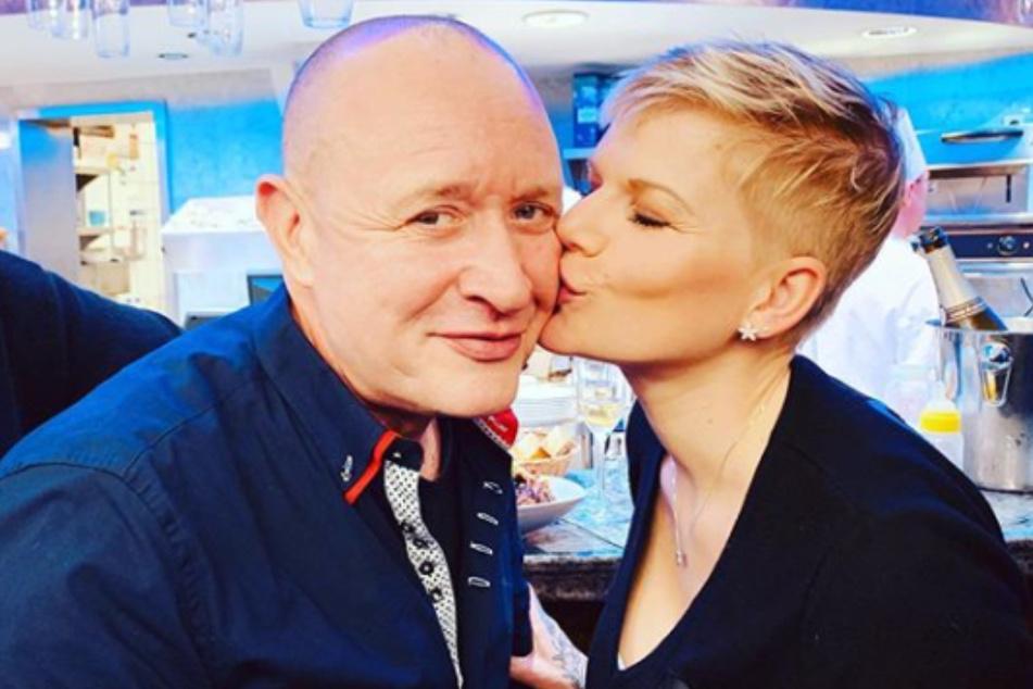 Da war die Welt noch in Ordnung: Melanie Müller (32) und ihr Ehemann Mike Blümer (54) feierten gemeinsam Silvester.