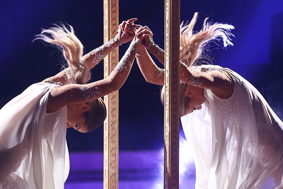 """Nicht nur auf dem """"Let's Dance""""-Parkett unzertrennlich: die Zwillingsschwestern Valentina und Cheyenne Pahde (26)."""