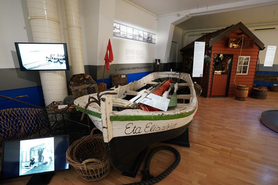 Auch ein Börteboot und eine Hummerbude (hinten rechts) haben einen Platz im Museum gefunden.