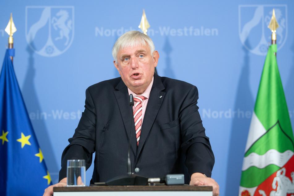 Bußgelder, Feiern und Fußball: NRW bekommt neue Corona-Regeln