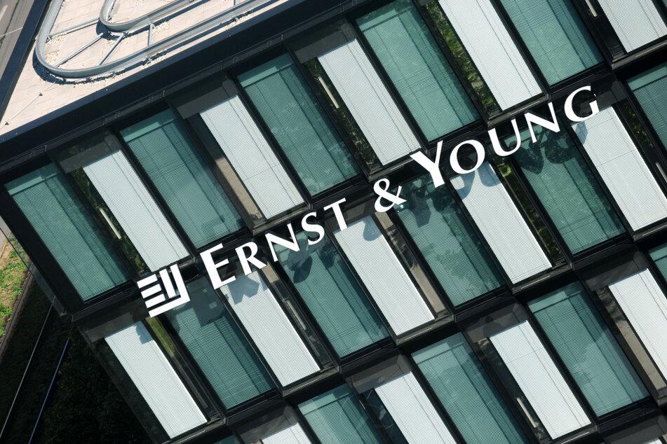 195 Millionen! Schadenersatz-Klage gegen Wirtschaftsprüfer Ernst & Young