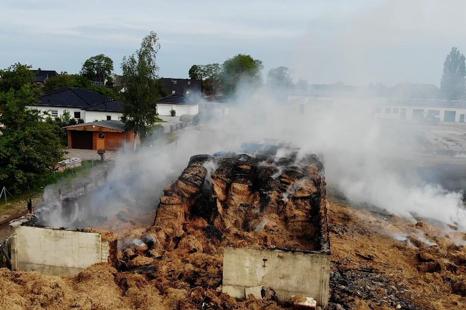Die Scheune ist bis auf die Grundmauern niedergebrannt.