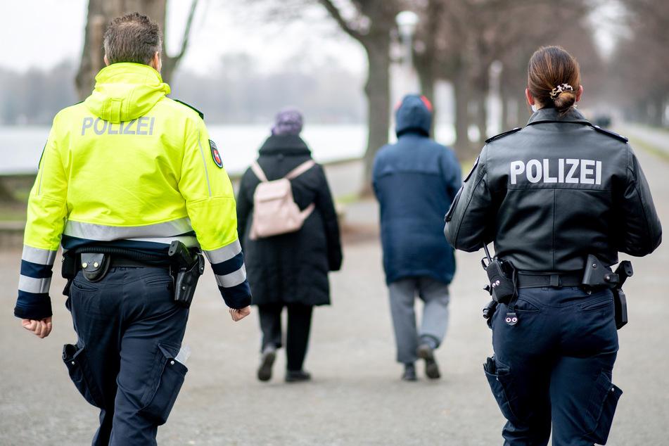 2020 verzeichneten Polizei und Ordnungsamt in Sachsen-Anhalt rund 800 Verstöße gegen das Infektionsschutzgesetz. (Symbolbild)