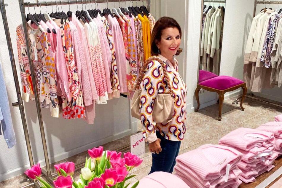 "Claudia Obert in ihrer Boutique ""Luxusclever""."