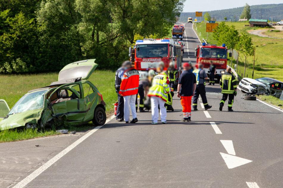 Tödlicher Unfall auf der B89: Auto knallt in Gegenverkehr