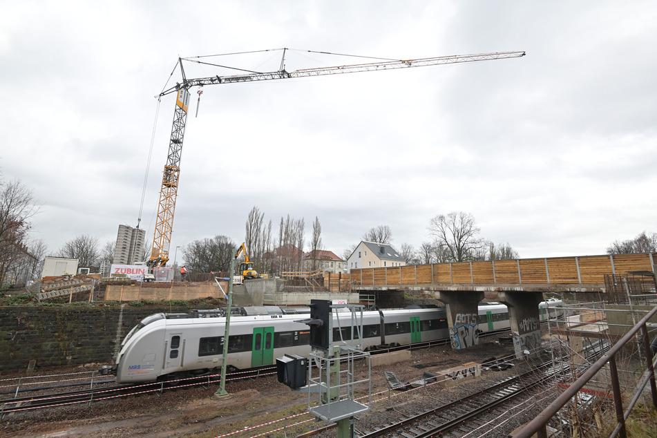 Baustellen Chemnitz: Neue Träger werden montiert: B174 voll gesperrt